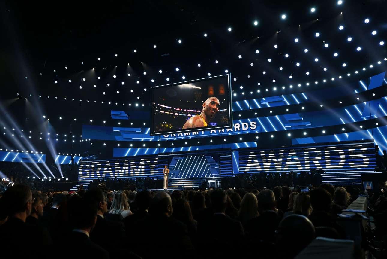 Η Ακαδημία Μουσικής των ΗΠΑ τίμησε τον Μπράιαντ στα βραβεία Grammy, που έγιναν λίγες ώρες μετά τον θάνατό του, στο «σπίτι του», το Staples Center, το γήπεδο των Lakers, όπου ο διάσημος παίκτης μεγαλούργησε επί χρόνια