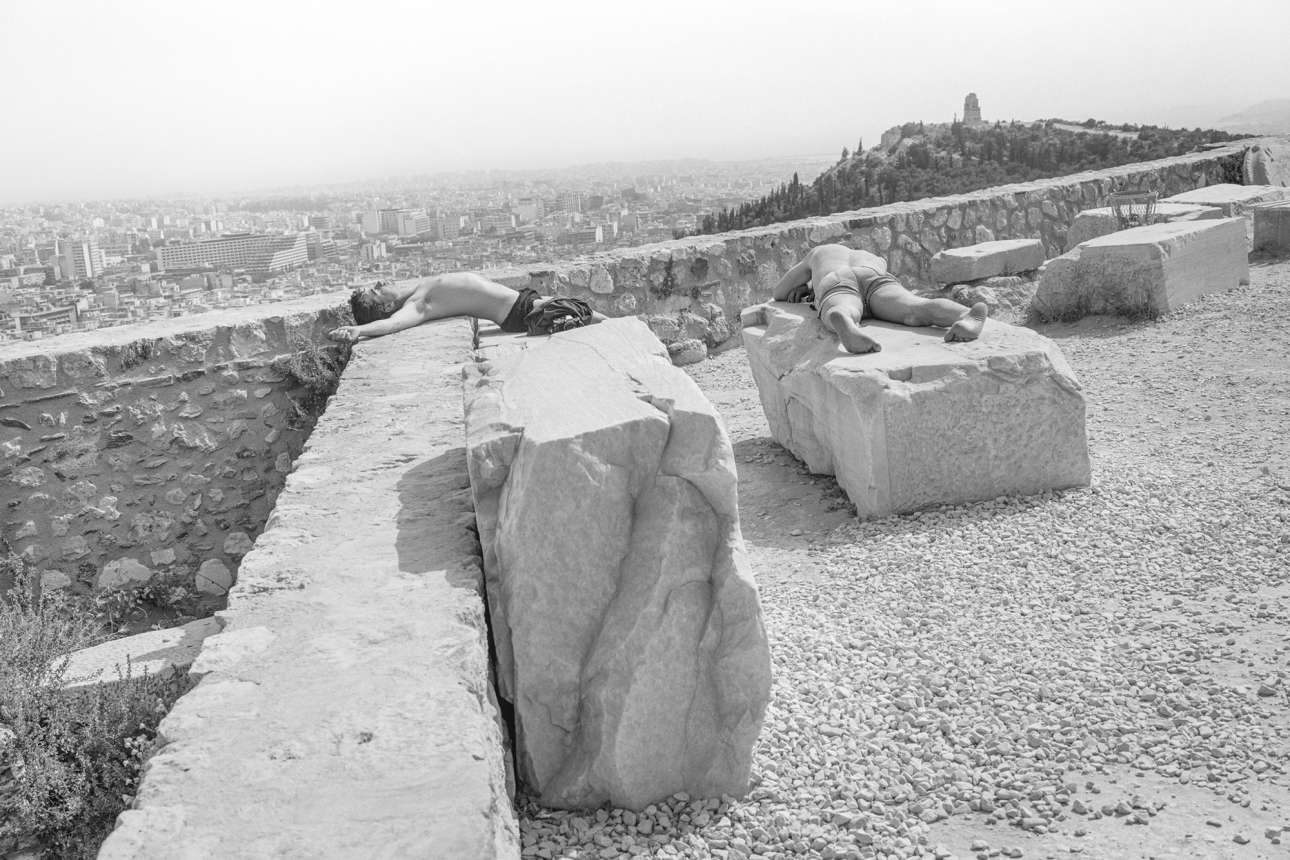 «Πολλές από τις εικόνες μου αντηχούν τα δράματα του ελληνικού μύθου: είναι σωματικές σχεδόν βίαιες, ακόμα και όταν αποτυπώνουν τις ρουτίνες και τους ρυθμούς των επισκπεπτών»