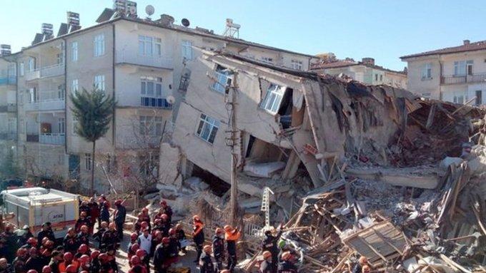 Στους 41 οι νεκροί από τον σεισμό στην Τουρκία – τερματίστηκαν οι επιχειρήσεις διάσωσης
