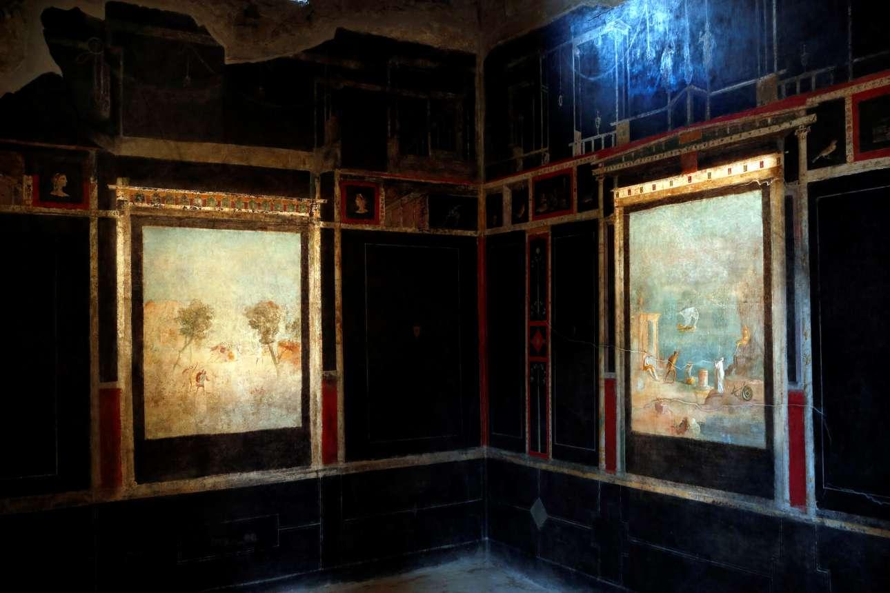 Πανέμορφες τοιχογραφίες σε αίθουσα στο Σπίτι του Οπωρώνα, μία από τις τρεις βίλες που ανοίγουν ξανά στο κοινό