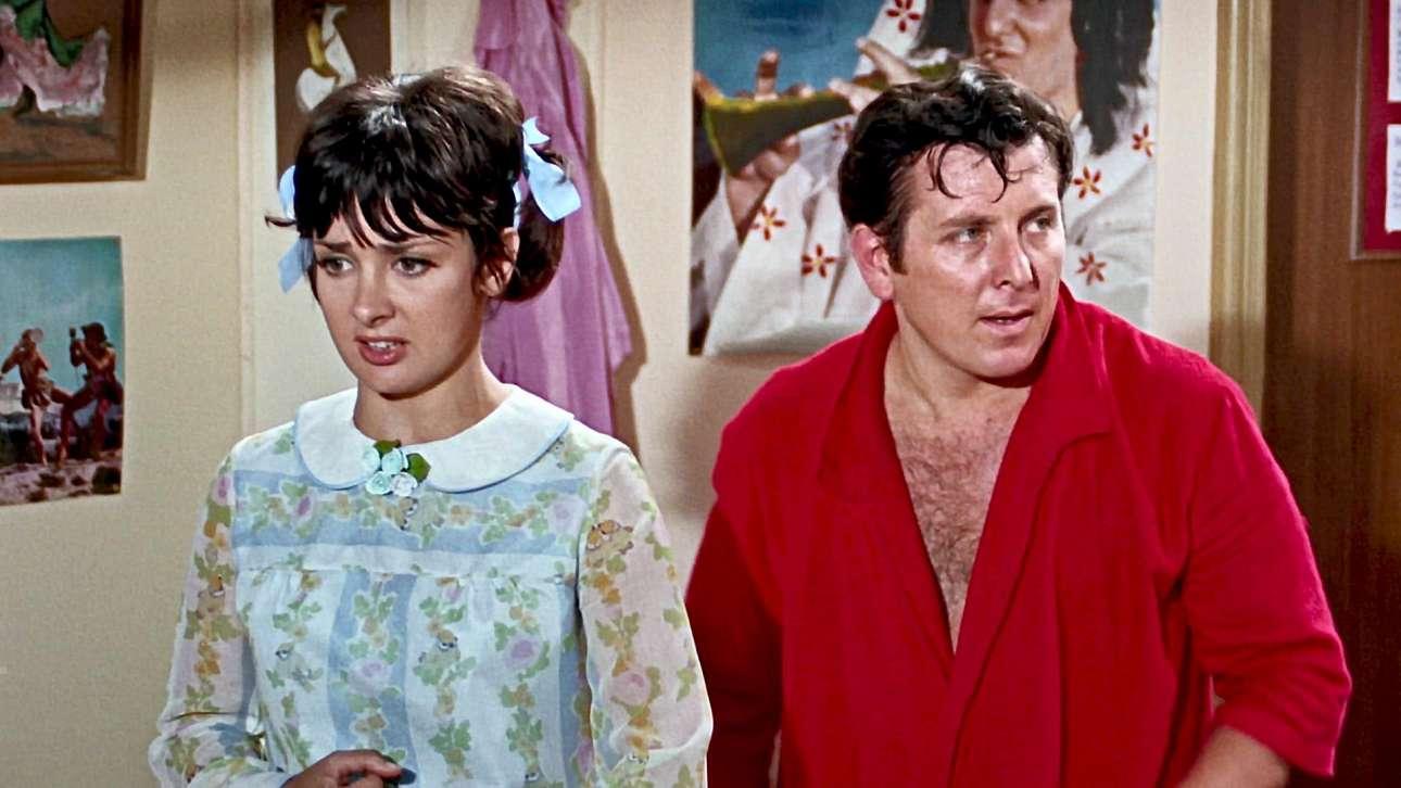 Με την Ξένια Καλογεροπούλου στο φιλμ «Το πιο λαμπρό μπουζούκι» (1968) σε σκηνοθεσία Κώστα Καραγιάννη