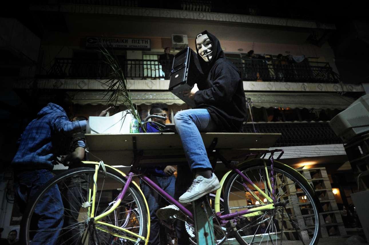 Μάσκα του Γκάι Φοκς και στον Τύρναβο