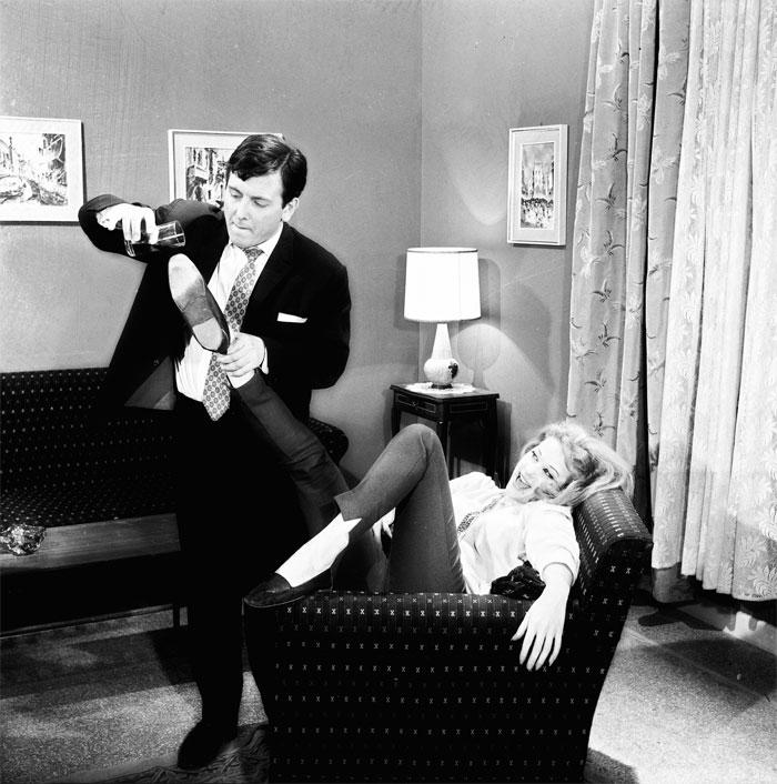 Με τη Ζωή Λάσκαρη στο «Ενα κορίτσι για δύο» (1963) του Γιάννη Δαλιανίδη