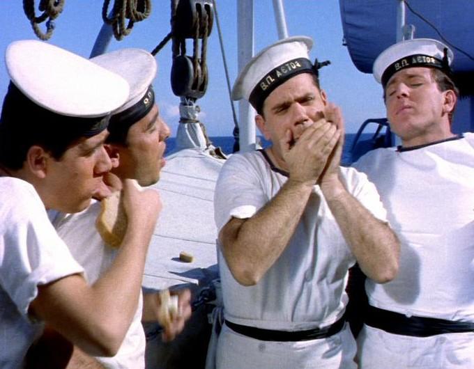 Ενα πέρασμα του Βουτσά από το φιλμ «Η Αλίκη στο Ναυτικό» (1961)