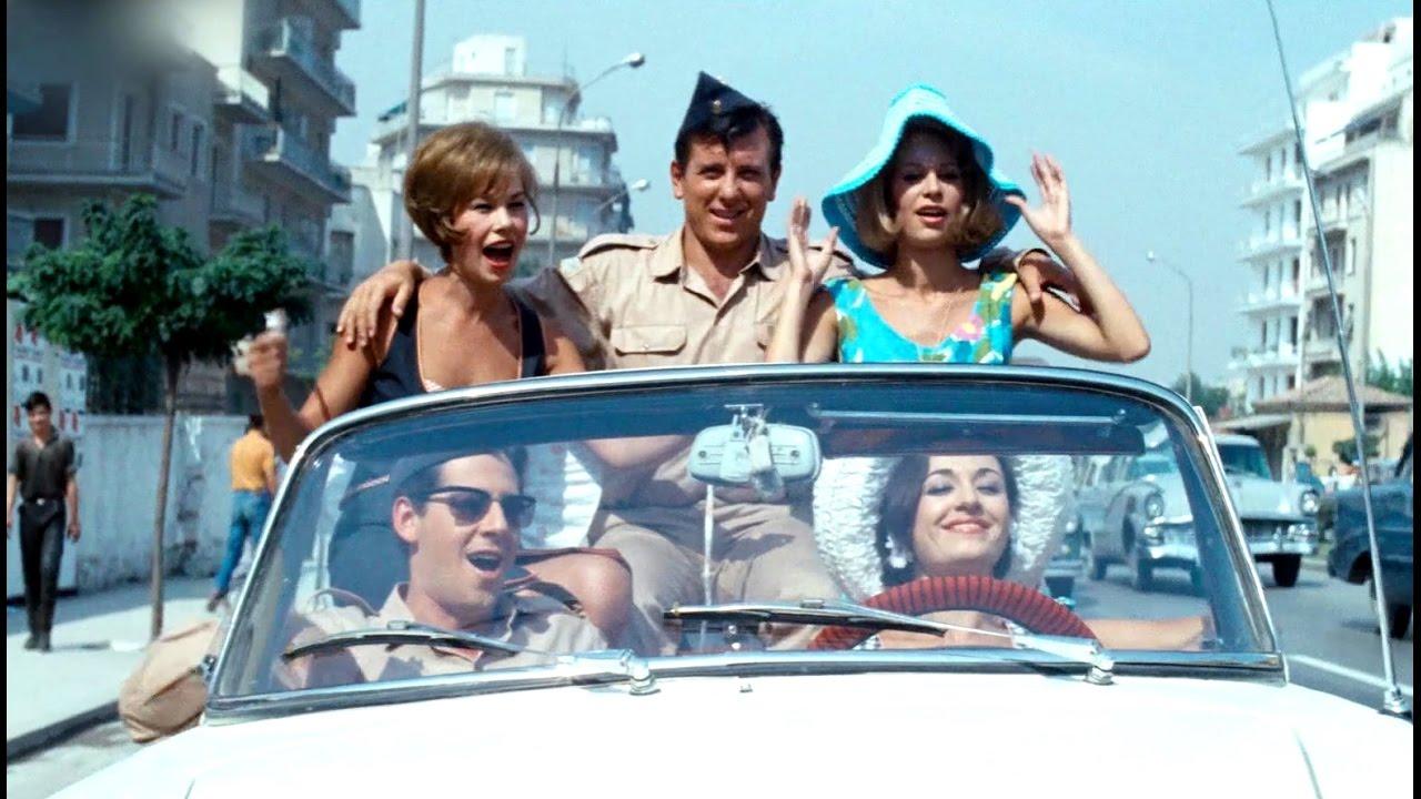 Ελένη Προκοπίου, Κώστας Βουτσάς, Χλόη Λιάσκου και, κάτω, Γιάννης Βογιατζής και Μάρθα Καραγιάννη στο «Ραντεβού στον αέρα» (1966) φυσικά του Δαλιανίδη