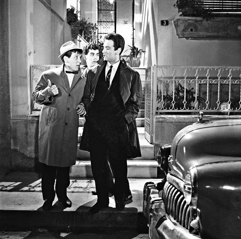 Με τον Νίκο Κούρκουλο στον «Κατήφορο» (1961) του Διαλιανίδη