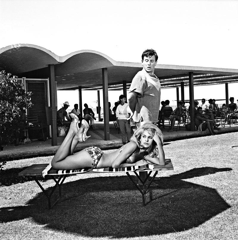 Αχώριστο δίδυμο: Με τη Χλόη Λιάσκου στο «Κάτι να καίει» (1964) του Δαλιανίδη, ταινία που έκοψε 660.791 εισιτήρια