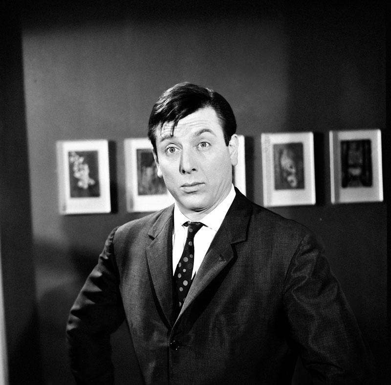Το «Ενα έξυπνο, έξυπνο μούτρο» (1965) είναι η πρώτη απόπειρα του Βουτσά και του Φίνου να αναλάβει πρωταγωνιστικό ρόλο. Τα 270.054 εισιτήρια στην πρώτη προβολή δεν είναι κακό νούμερο