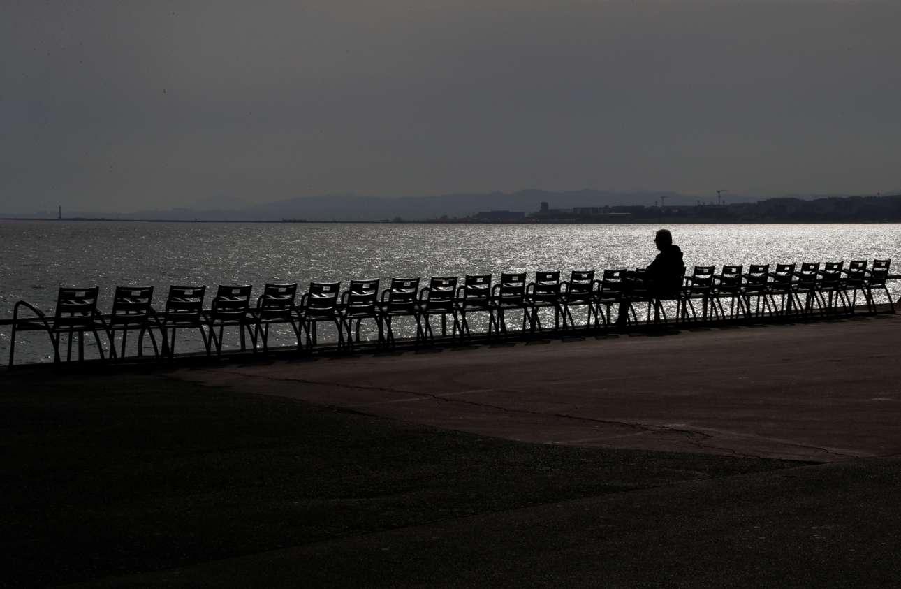 17 Μαρτίου, Promenade des Anglais: πρώτη μέρα καραντίνας στη Γαλλία και όπως φαίνεται οι κάτοικοι της Νίκαιας κλείνονται στα σπίτια τους
