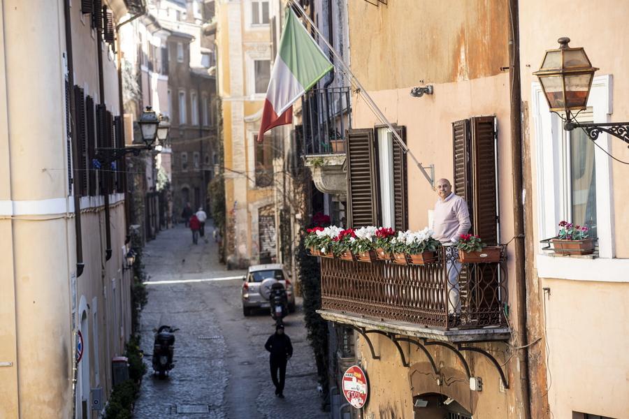 Γραφική και μελαγχολική εικόνα από την πανέμορφη γειτονιά Τραστέβερε στη Ρώμη