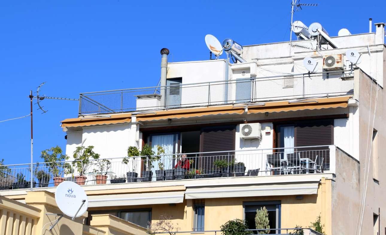 Καραντίνα στο κέντρο της Αθήνας.  Η κηπουρική είναι μια καλή λύση για όσο κρατάει το #μένουμεσπίτι