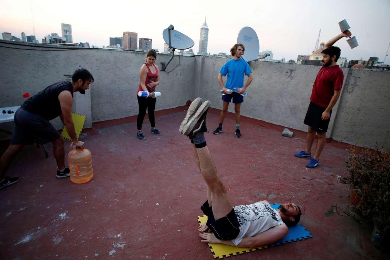 Β6: Σωματική άσκηση... σε μία ταράτσα της Πόλης του Μεξικού