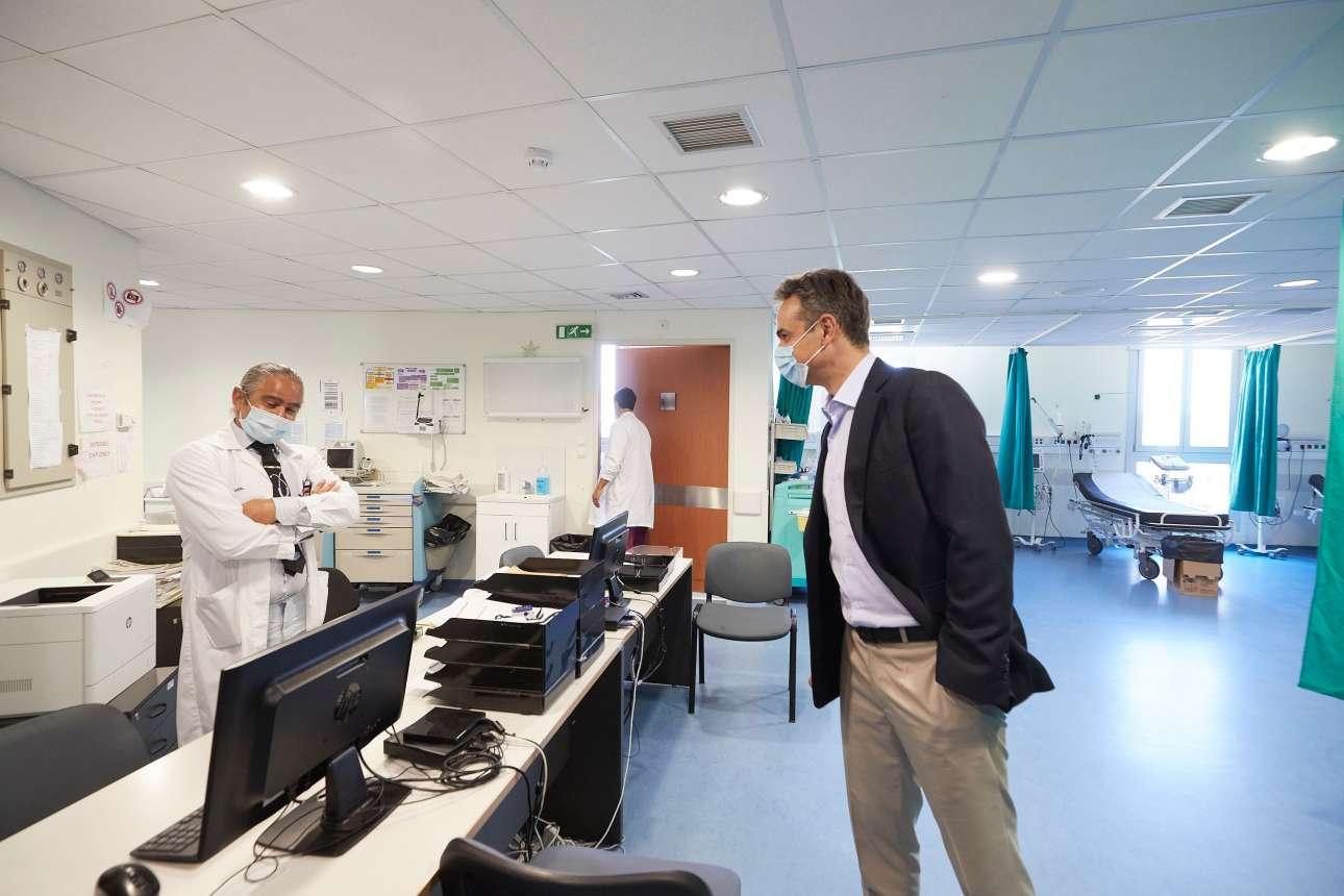 Στο εσωτερικό του καινούργιου νοσοκομείου της Σαντορίνης