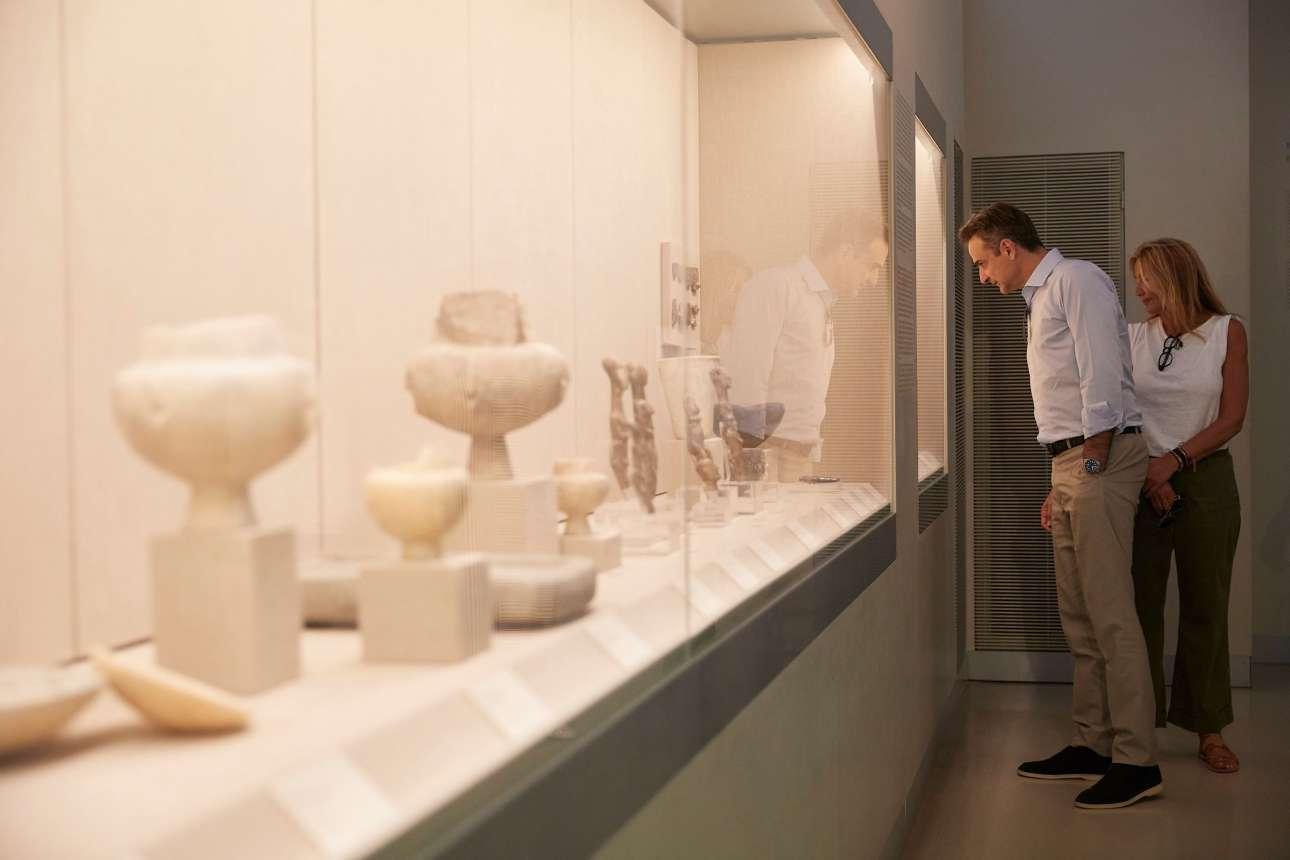 Με τη Μαρέβα, στο αρχαιολογικό μουσείο