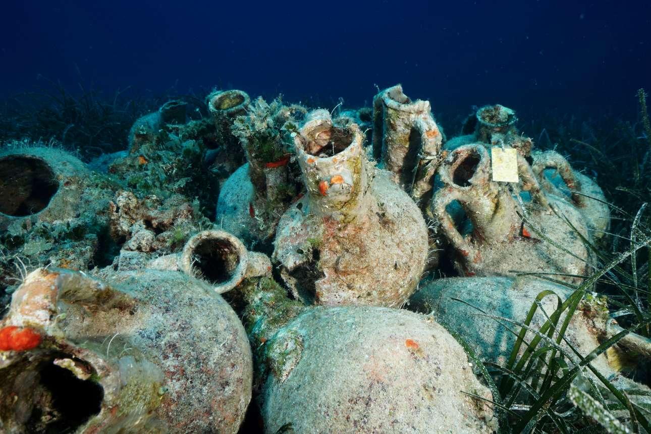 Το ναυάγιο βρίσκεται σε βάθος που κυμαίνεται μεταξύ 21 και 28 μέτρων από την επιφάνεια της θάλασσας