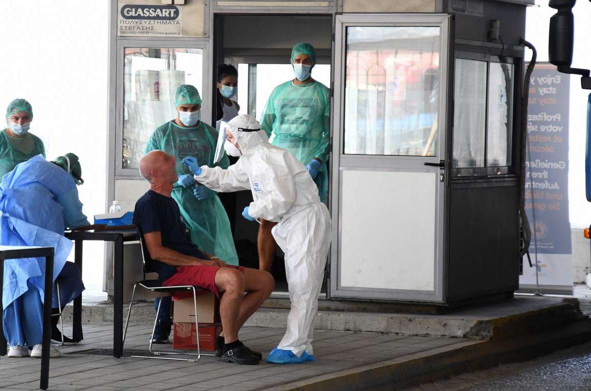 Κορονοϊός: Πού εντοπίζονται τα επτά εισαγόμενα κρούσματα