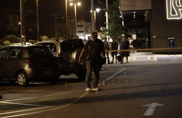 Μαφιόζικη επίθεση στη Βούλα: Δύο άτομα τραυμάτισαν σοβαρά έναν ...