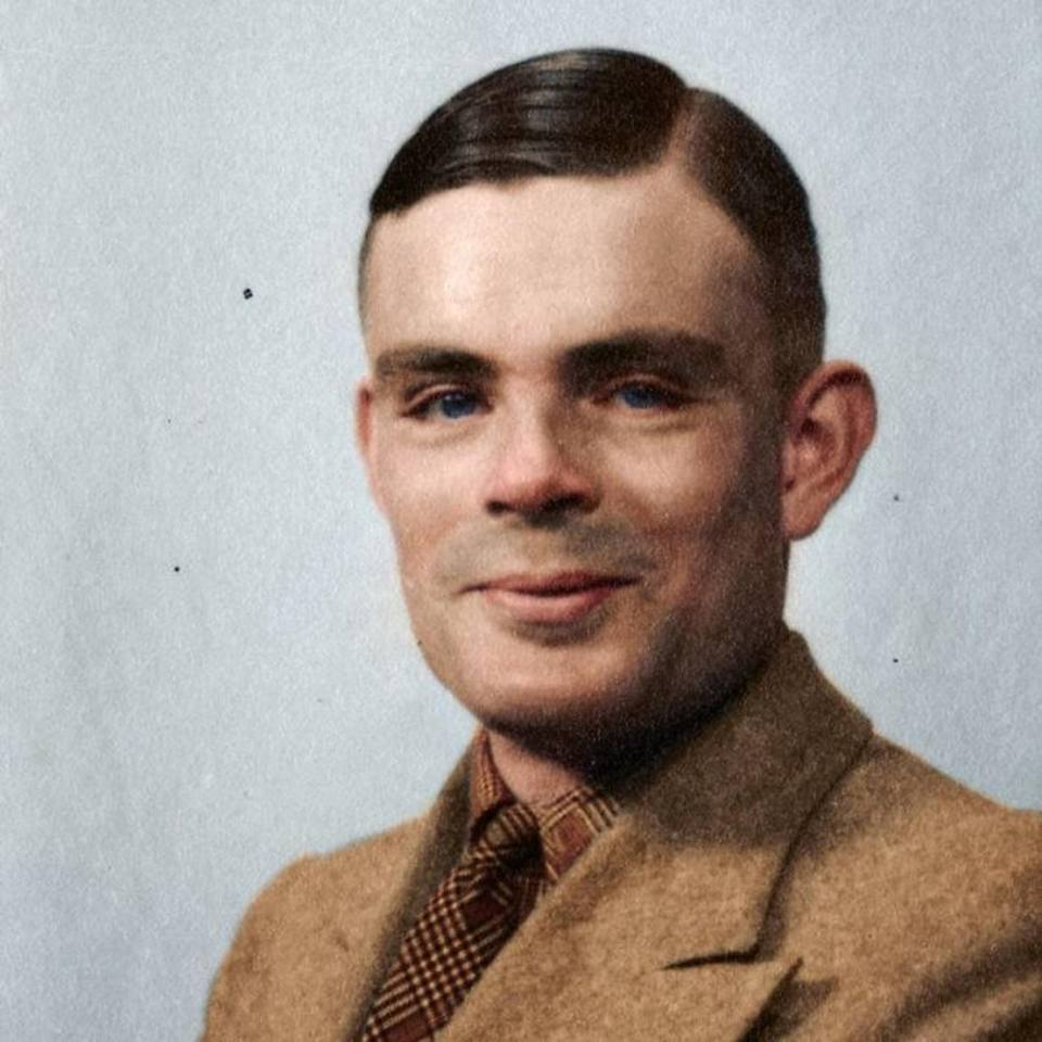 Ο μαθηματικός Αλαν Τούρινγκ που έπαιξε καθοριστικό ρόλο στην αποκρυπτογράφηση των κωδικών των Ναζί κατά τον Δεύτερο Παγκόσμιο Πόλεμο