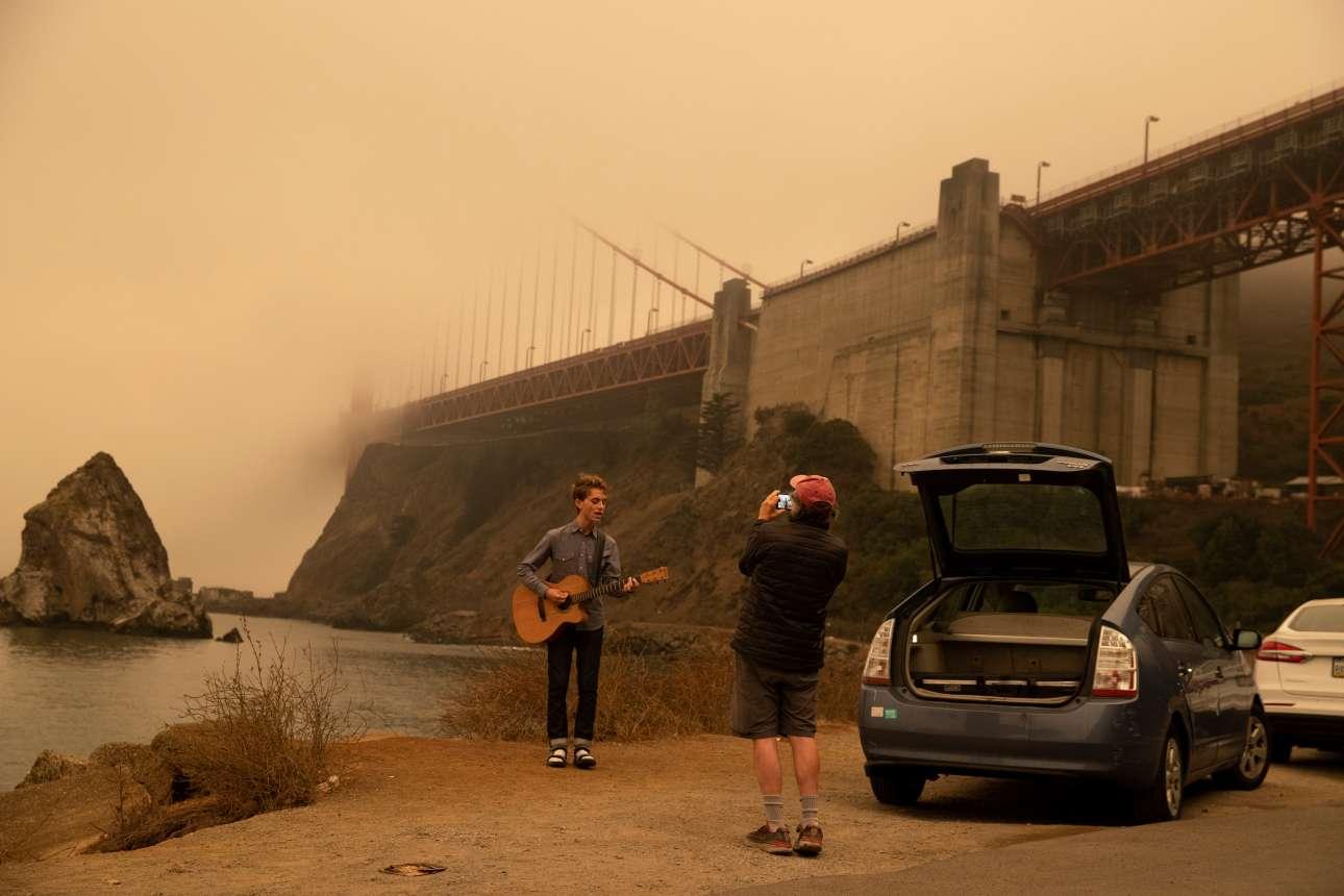 Ενα μουσικός κινηματογραφεί βίντεο για ένα κομμάτι του. Το σκηνικό θα μείνει αξέχαστο