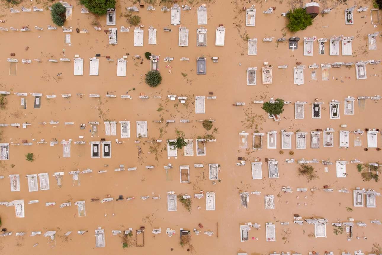 Το πλημμυρισμένο νεκροταφείο στο Αρτεσιανό Καρδίτσας