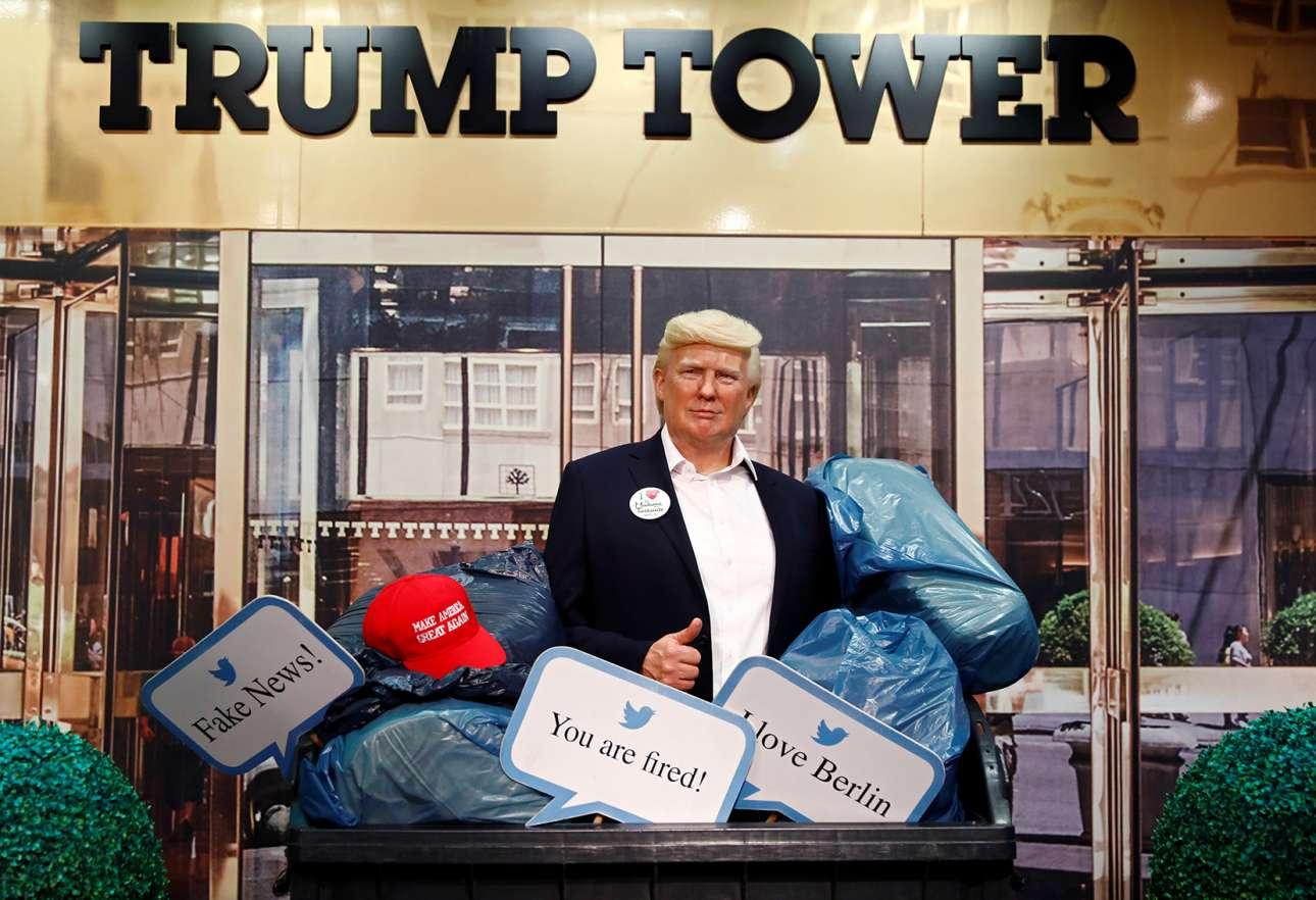 Κέρινο ομοίωμα του προέδρου Τραμπ μέσα σε κάδο σκουπιδιών – έκθεμα στο βερολινέζικο Madame Tussauds