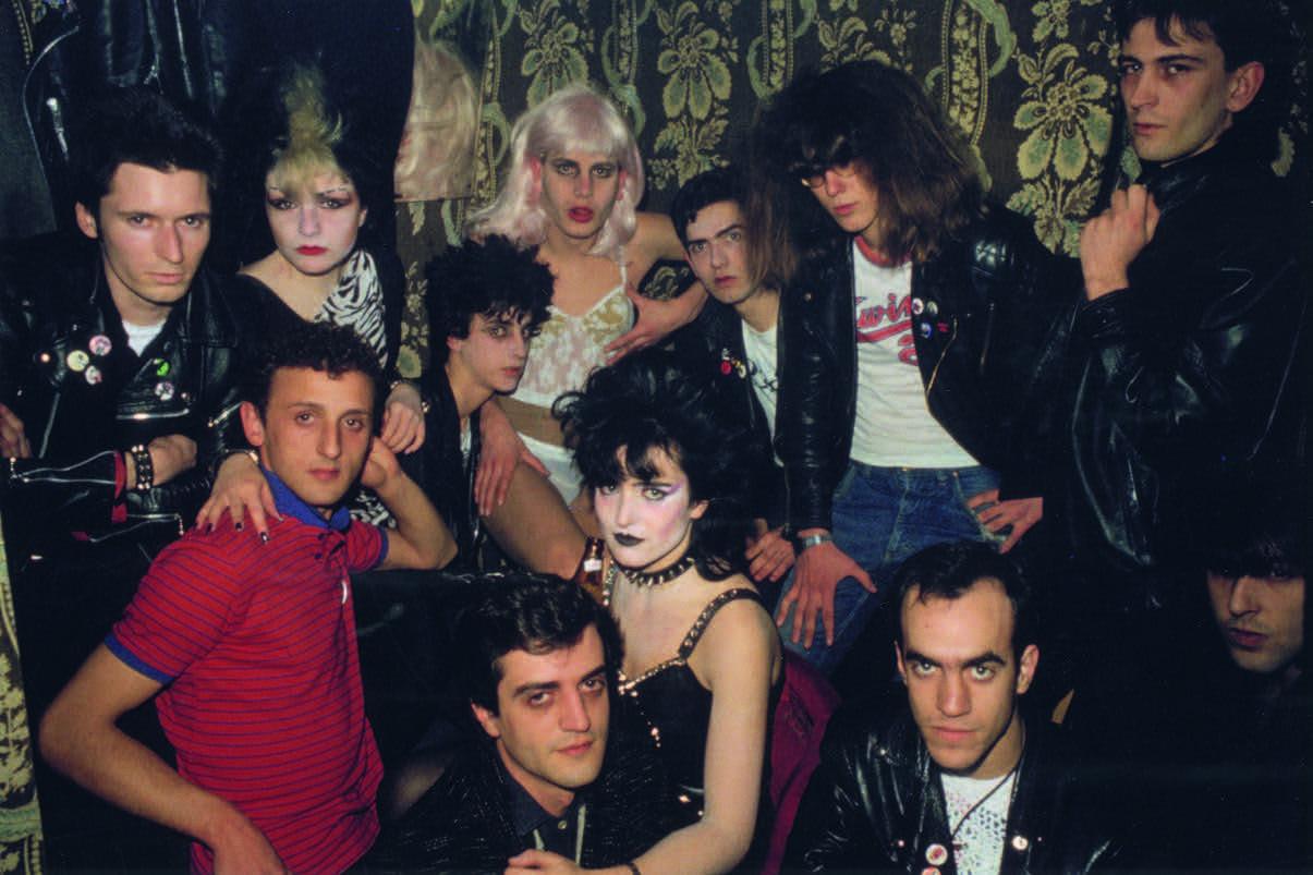 Στο ιστορικό μπαρ Marquee το 1981. Καθώς φωτογράφοι όπως ο Πάμπλο Περέζ Μινγκέθ αιχμαλώτιζαν σε καρέ τους κατοίκους της πόλης, παράλληλα κατέγραφαν τις κοινωνικές και αστικές αλλαγές που συντελούνταν