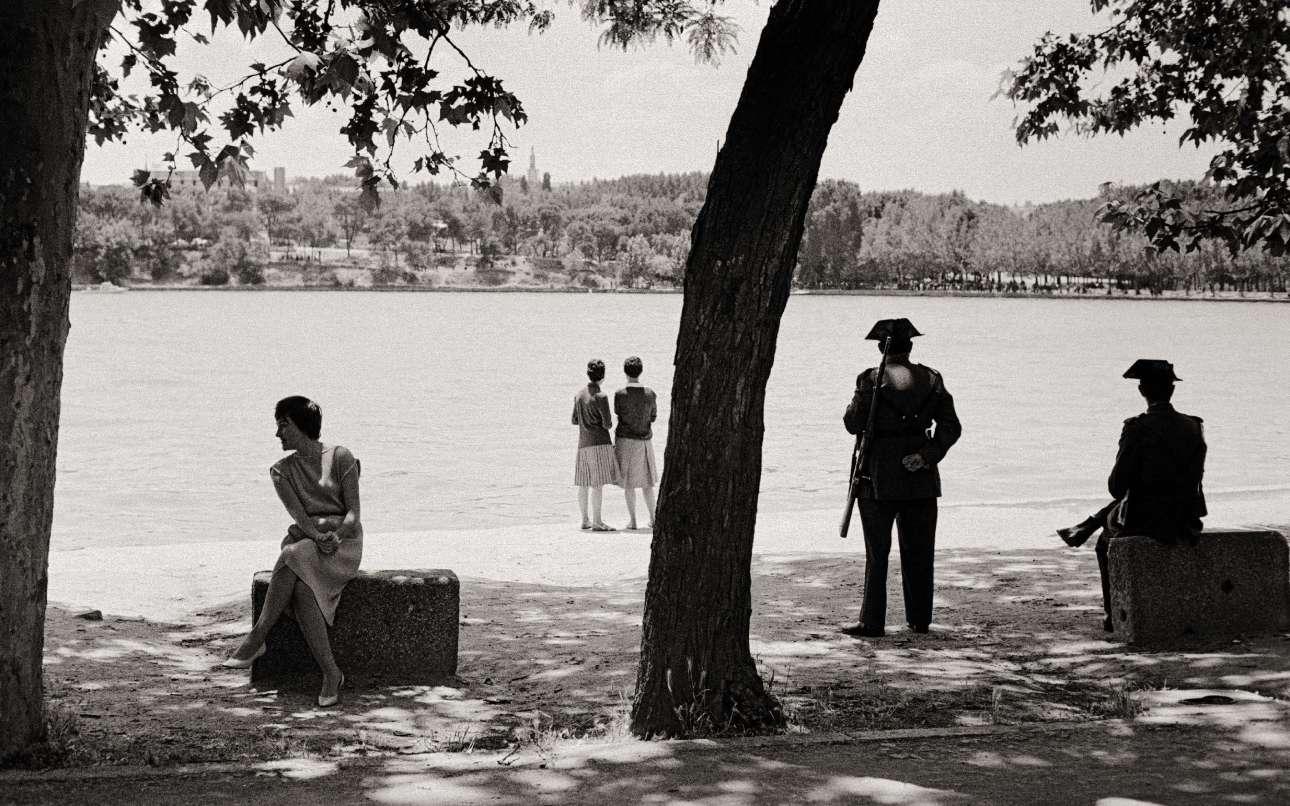 Μια στιγμή στον χρόνο... Το Κάζα νε Κάμπο, το μεγαλύτερο δημόσιο πάρκο της Μαδρίτης, το 1961