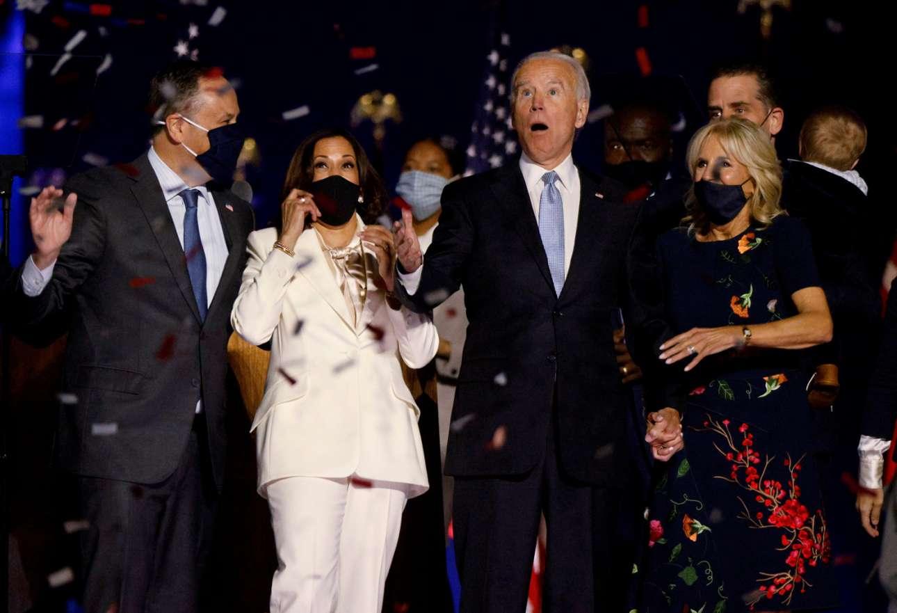 Μία χρονιά χωρίς τον Ντόναλντ Τραμπ σίγουρα θα είναι μία καλύτερη χρονιά τόσο για τις ΗΠΑ όσο και ευρύτερα. Επειτα από μία επίπονη εκλογική διαδικασία, ο Τζο Μπάιντεν και η Κάμαλα Χάρις πανηγυρίζουν την νίκη τους