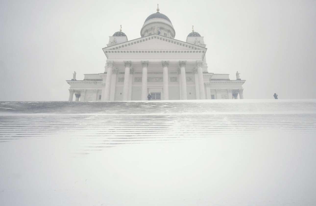 Πρέπει όντως να πιστεύεις στον Θεό για να φθάσεις μέχρι τον καθεδρικό ναό του Ελσίνκι μέσα στη χιονοθύελλα