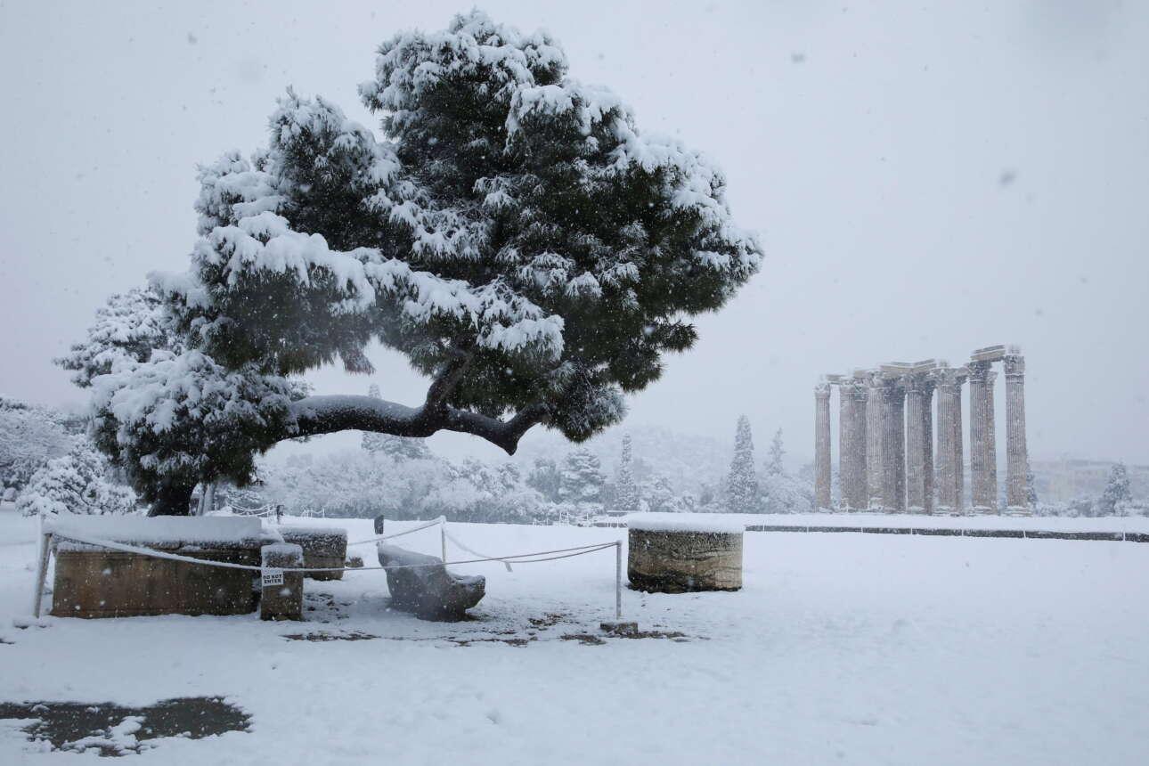 Ο ναός του Ολυμπίου Διός στο κέντρο της Αθήνας