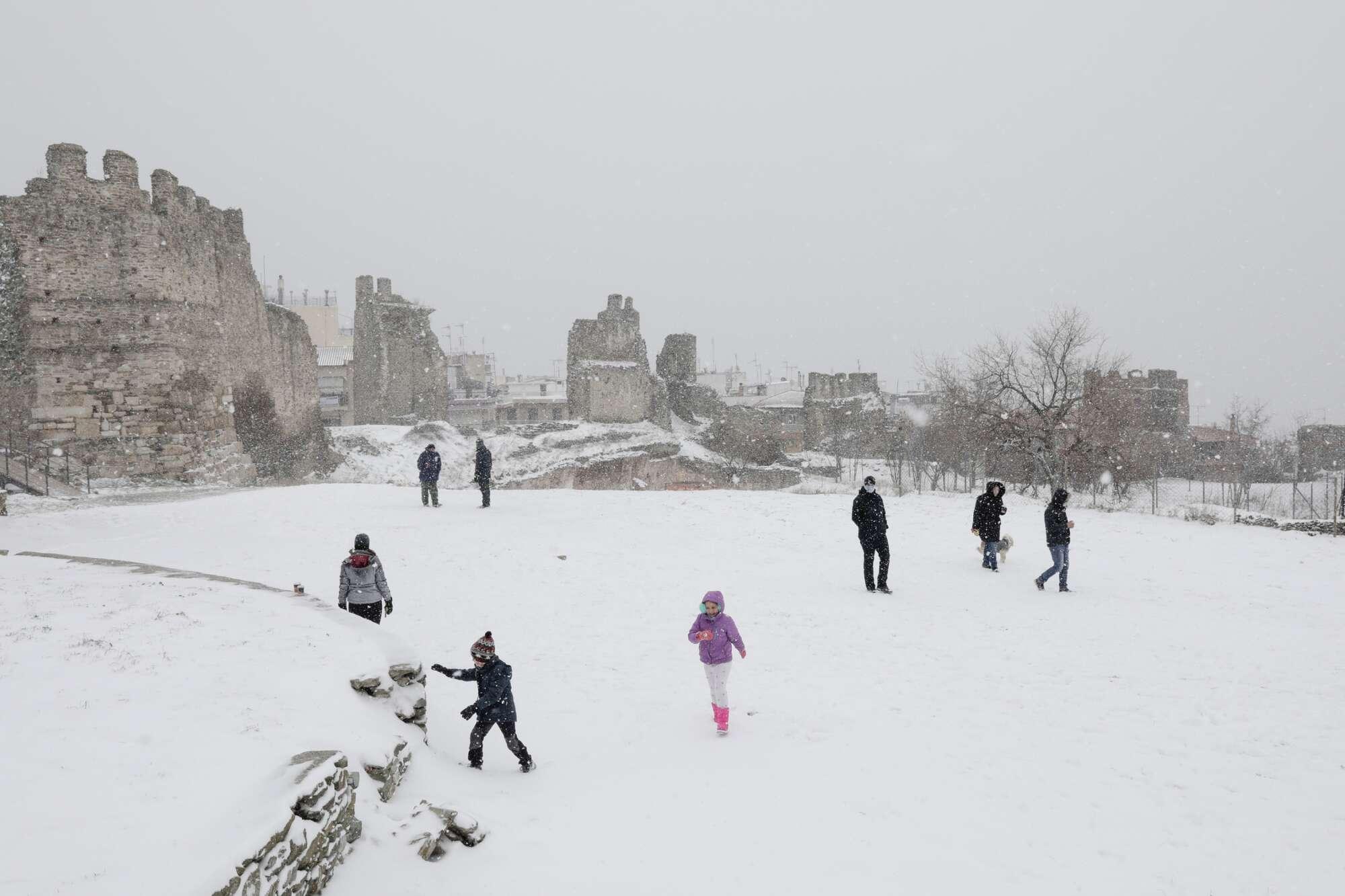 Τα κάστρα του Επταπυργίου, το Γεντί Κουλέ, λευκό στεφάνι για τη Νύμφη του Θερμαϊκού