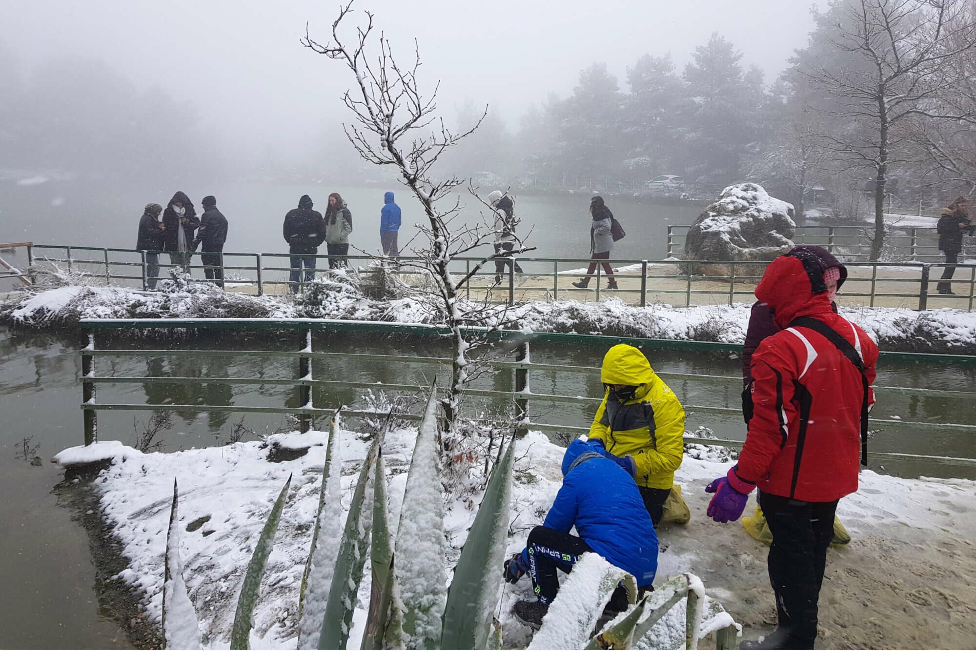 Λίμνη Μπελέτσι, στην Ιπποκράτειο Πολιτεία. Το χιόνι πάντα μαγνητίζει τους κατοίκους της πρωτεύουσας