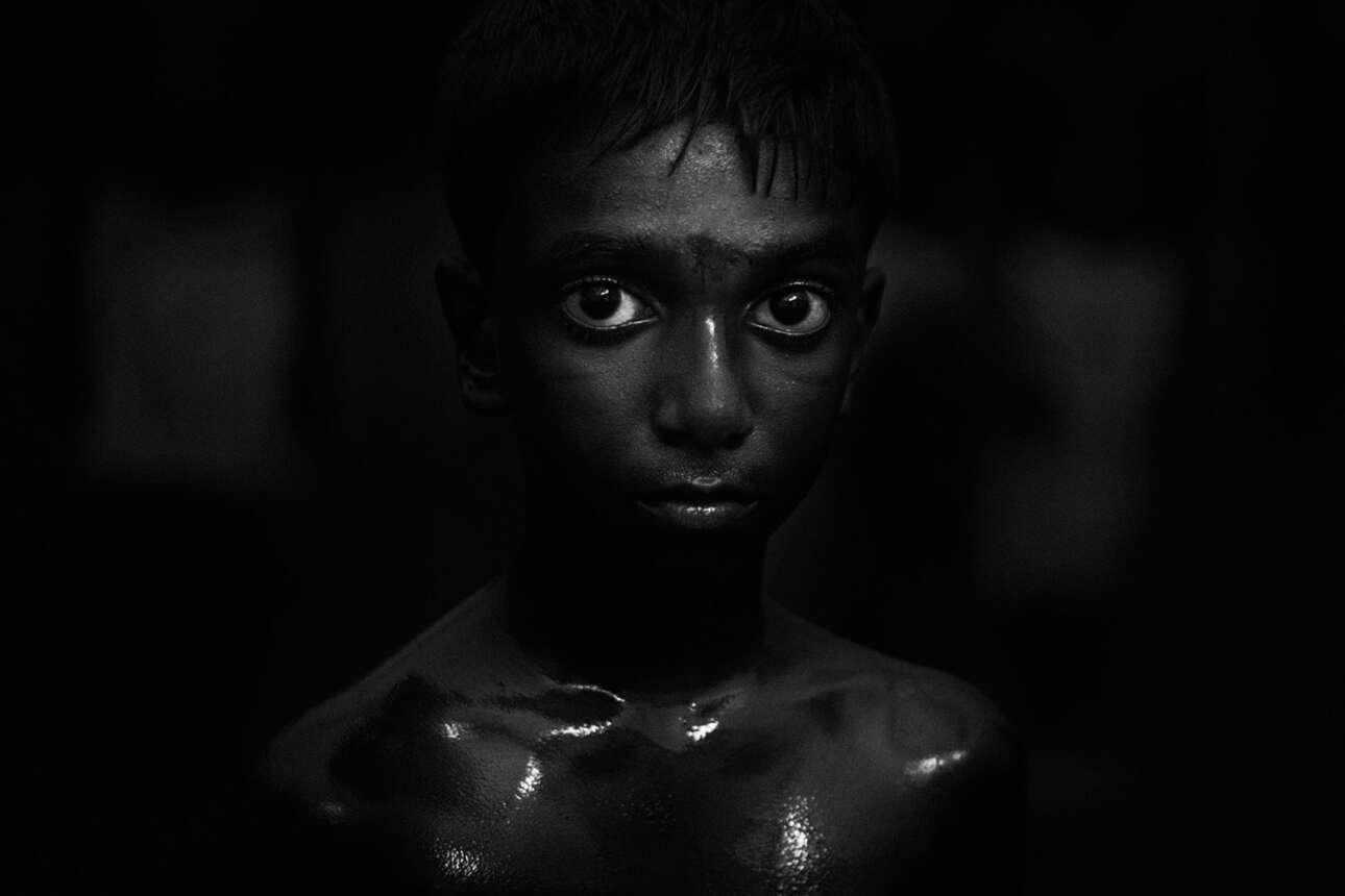 Βραβείο στην κατηγορία Ταξιδιωτικό Πορτφόλιο. Κεράλα, Ινδία: πορτρέτο ενός αγοριού καθώς εκπαιδεύεται στο Kalaripayattu, μια πολεμική τέχνη που προέρχεται από τη νότια Ινδία