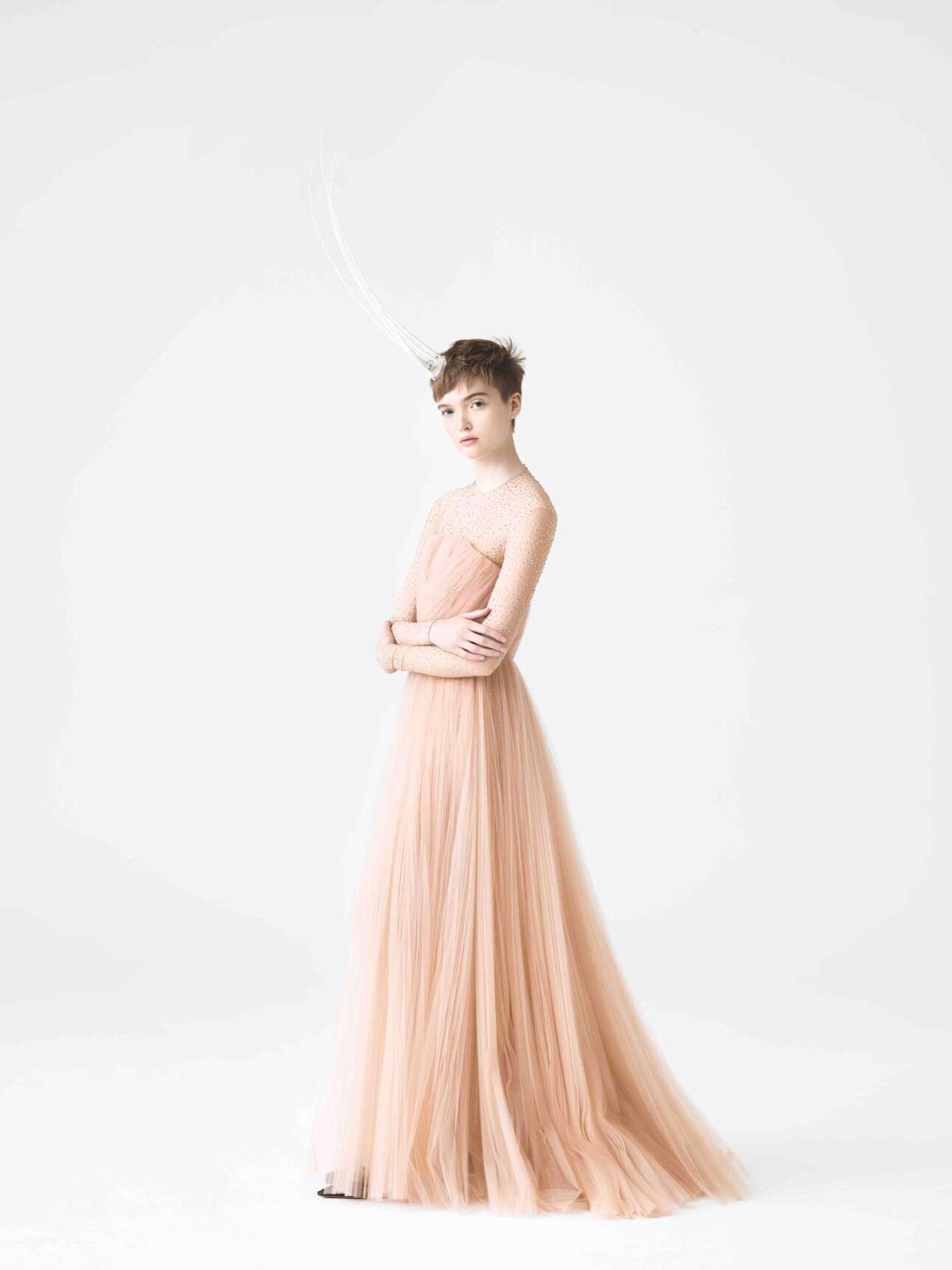 H Ρουθ Μπελ σε μία αιθέρια και ρομαντική φωτογράφιση για λογαριασμό του κινεζικού περιοδικού T magazine, τον Απρίλιο του 2017