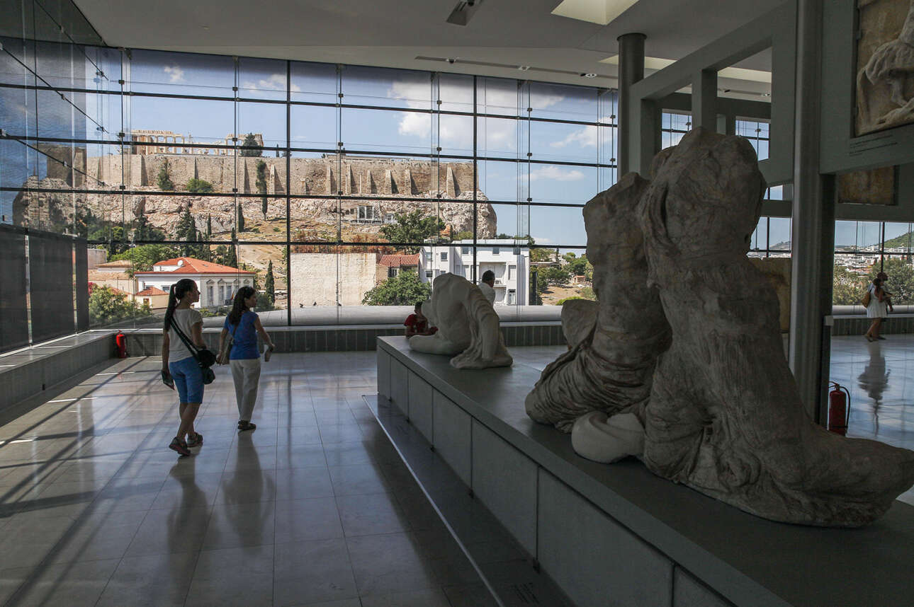 Το Μουσείο της Ακρόπολης ολοκληρώθηκε λαμβάνοντας σημαντικό ποσοστό του απαιτούμενου κόστους από ευρωπαϊκές χρηματοδοτήσεις. Η Ακρόπολη συμβολίζει την κοιτίδα του ευρωπαϊκού πολιτισμού. Και η Ευρώπη το αναγνώρισε εμπράκτως