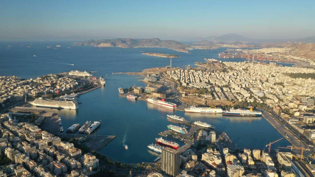 Η Ελλάδα είναι η νοτιοανατολική πύλη της Ευρώπης. Και οι ευρωπαϊκές χρηματοδοτήσεις συνέβαλαν στην αναβάθμιση των λιμένων και στη δημιουργία χιλιάδων θέσεων εργασίας