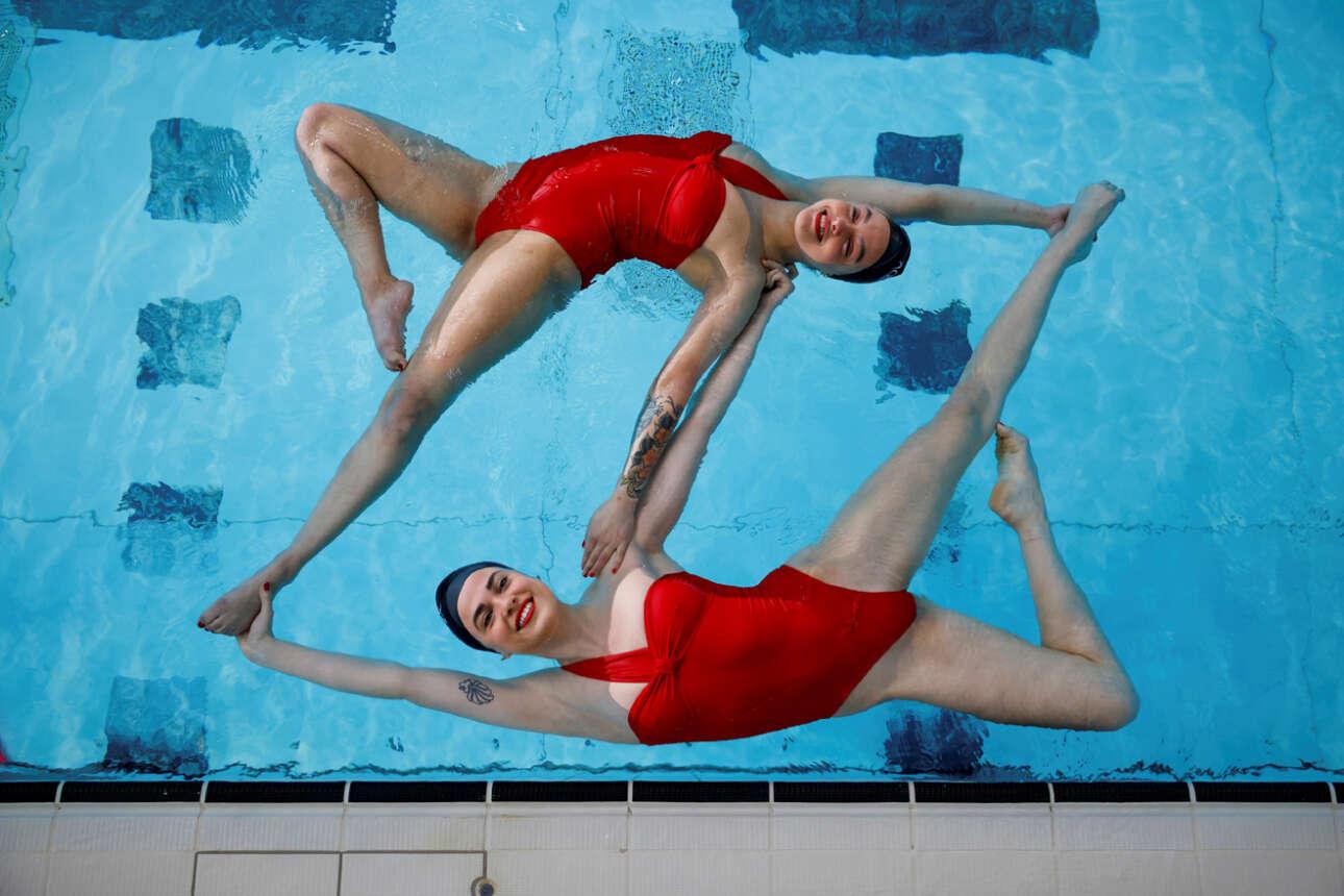 Αθλήτριες της ομάδας συγχρονισμένης κολύμβησης Aquabatix επιστέφουν γεμάτες χαρά στις πισίνες μετά από πολύμηνη αποχή