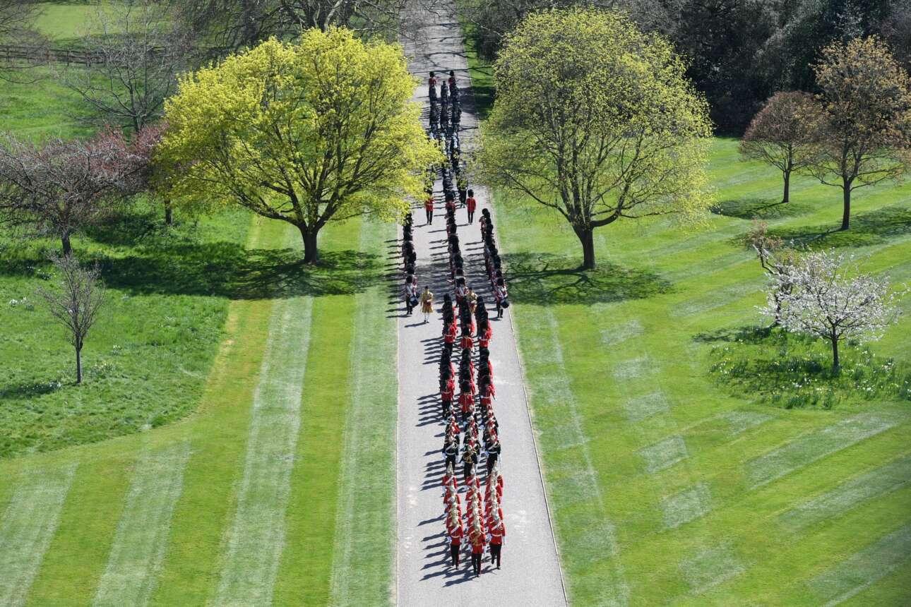 Μία γενική εικόνα της παρέλασης της στρατιωτικής μπάντας