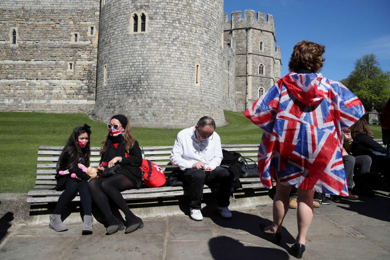 Από τον περιβάλλοντα χώρο του κάστρου δεν έλειψαν οι... ιδιαίτερες εμφανίσεις
