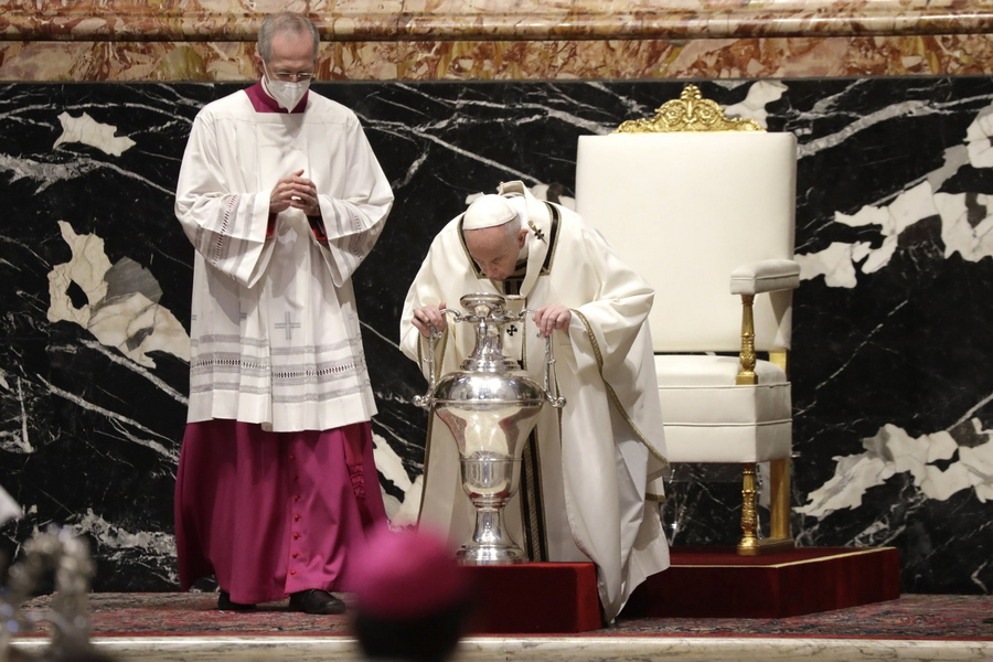 Βατικανό. Στιγμιότυπο με τον πάπα Φραγκίσκο από τη διαδικασία του Ευχελαίου των Καθολικών