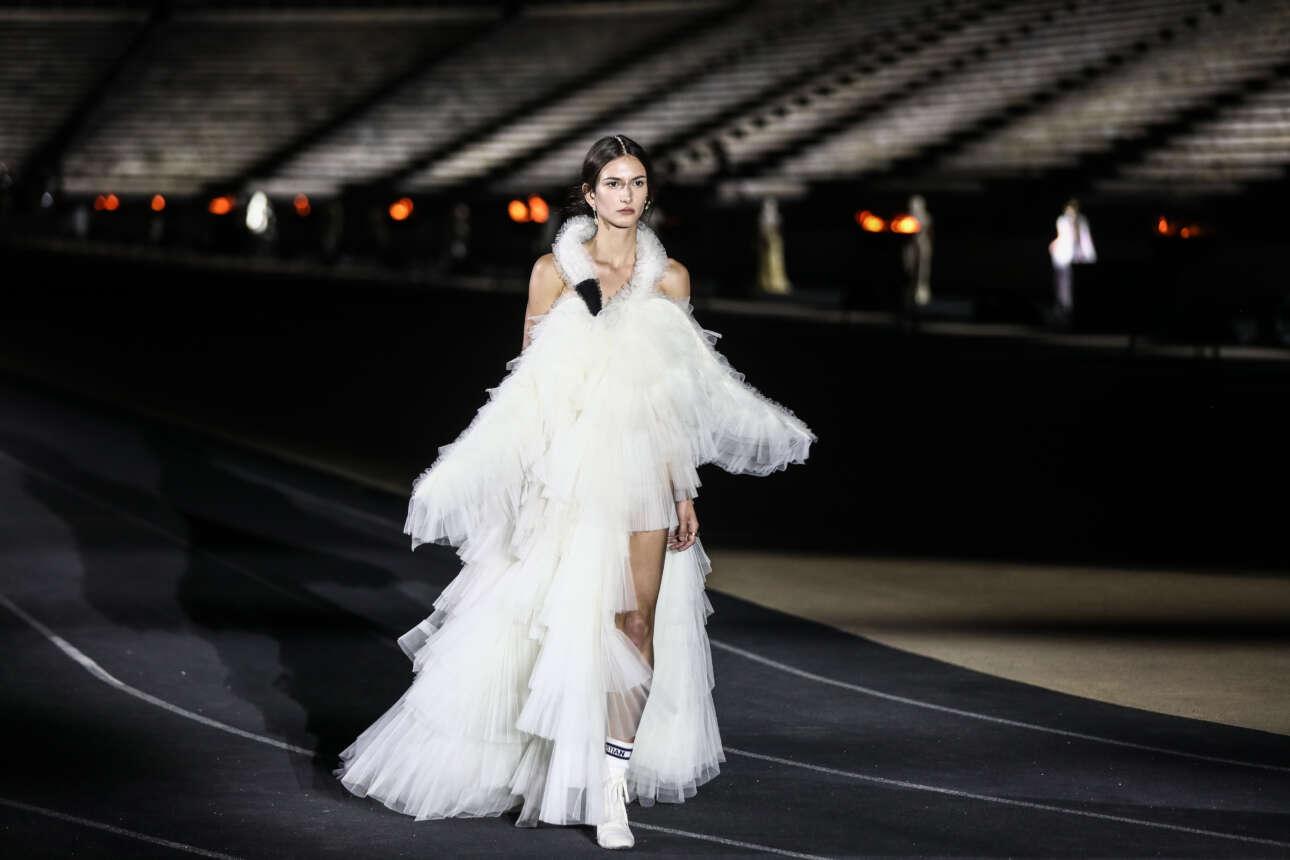 Μια από τις δημιουργίες της κολεξιόν Dior Cruise 2022