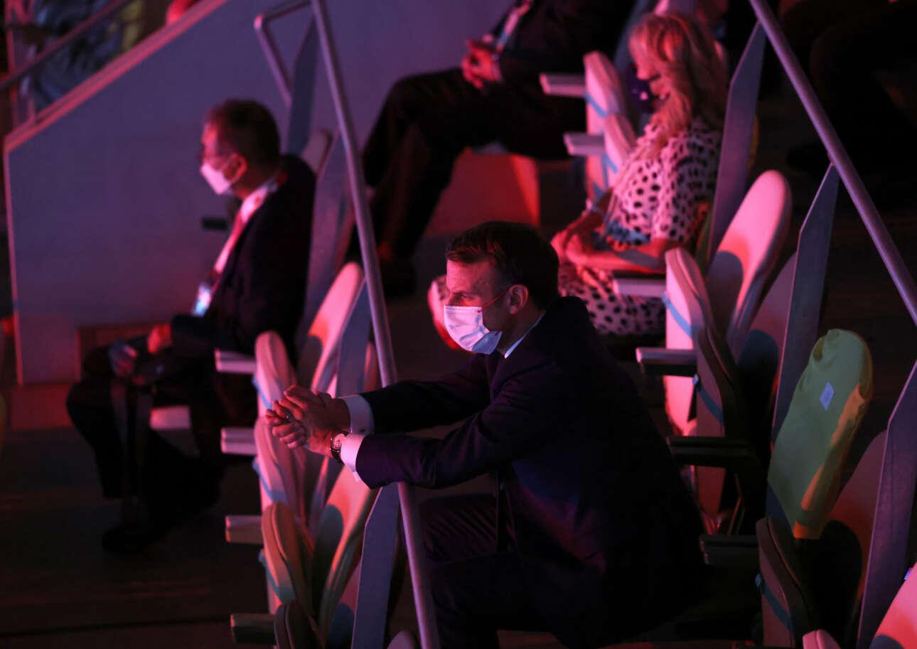 Ο πρόεδρος της Γαλλίας Έμανουέλ Μακρόν παρακολουθεί την τελετή έναρξης