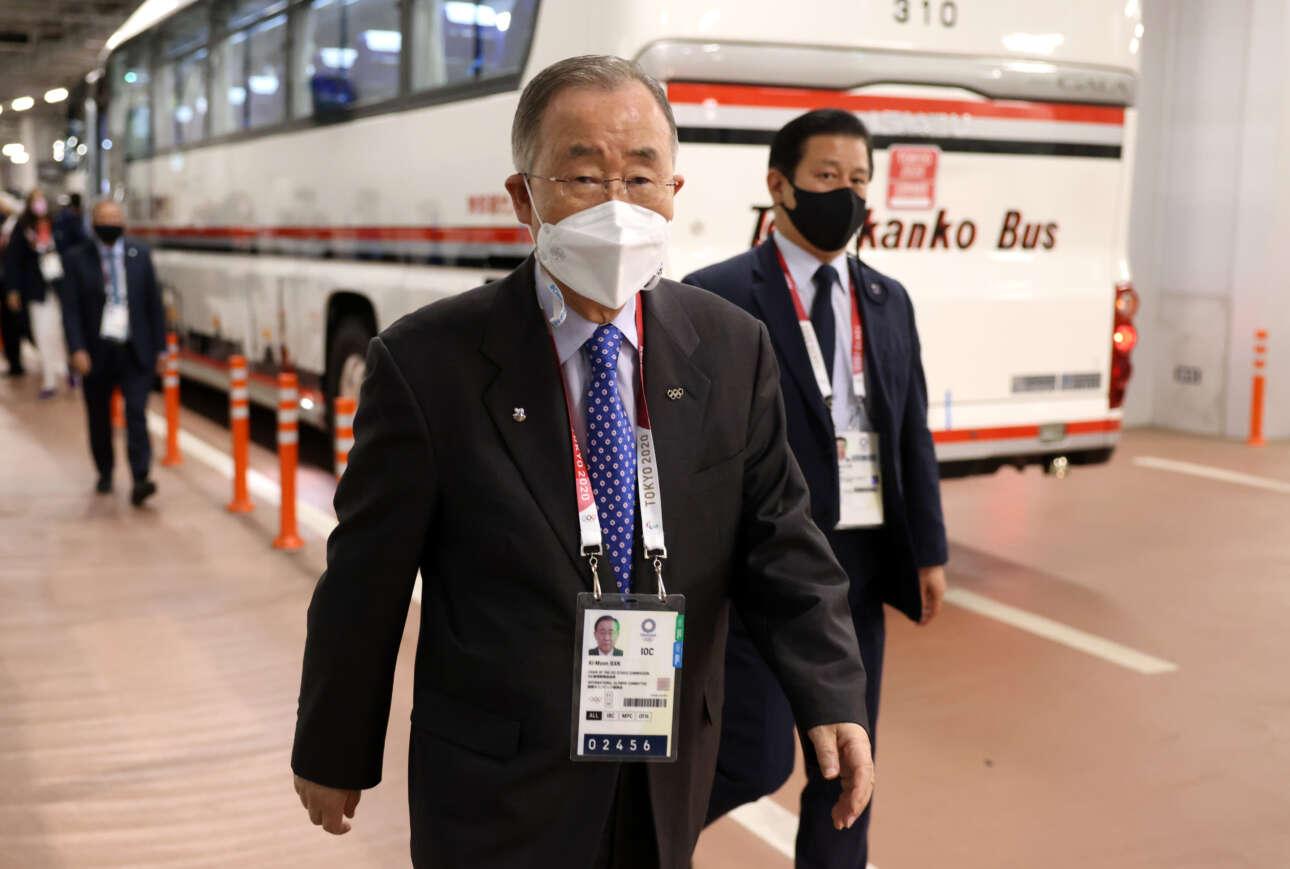 Ο τέως γενικός γραμματέας του ΟΗΕ Μπαν-Κι Μουν καταφθάνει στο Ολυμπιακό Στάδιο