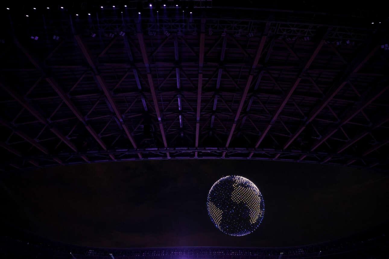 O πλανήτης Γη σχηματίστηκε από drones πάνω από το Ολυμπιακό Στάδιο, έπειτα ακούστηκε το «Imagine» του Τζον Λένον