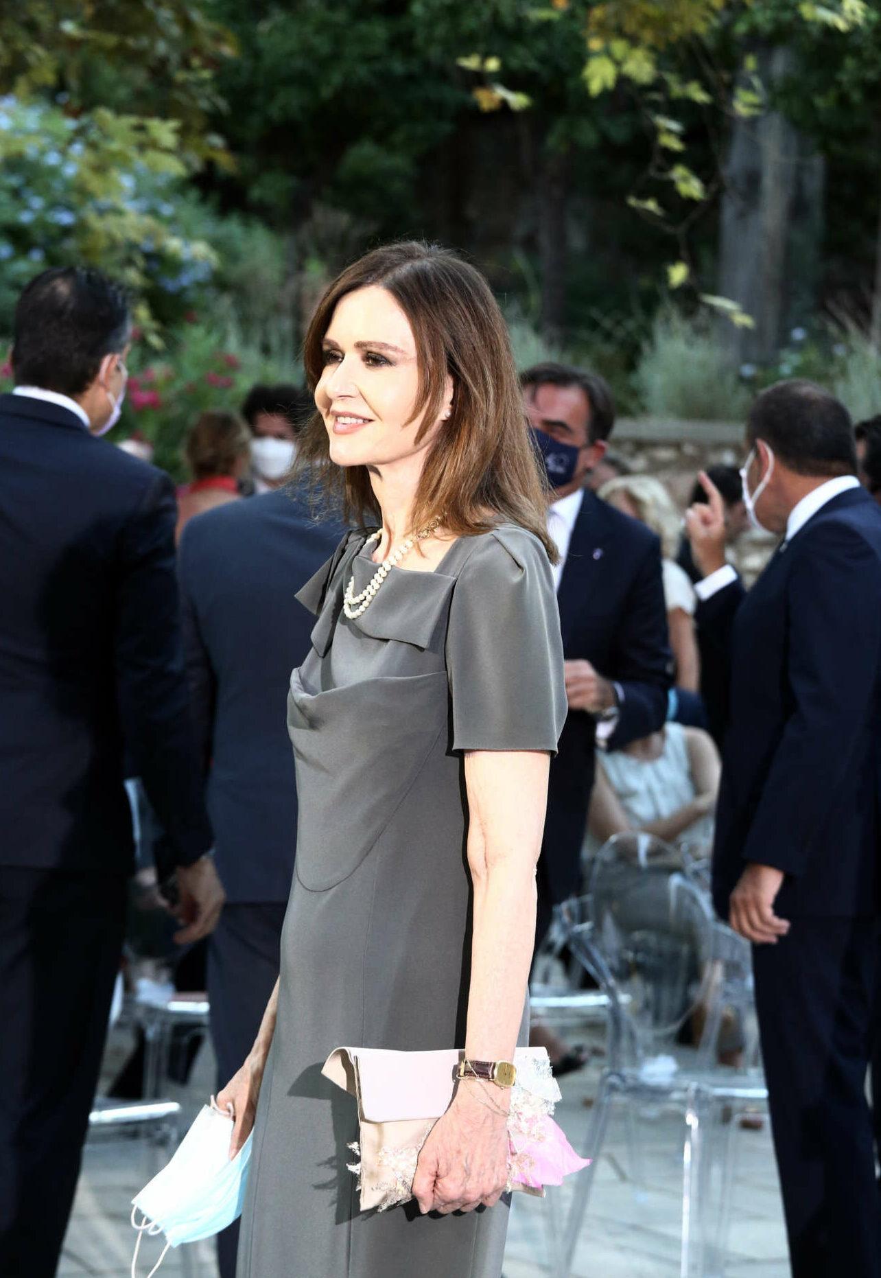 Η ηθοποιός Κάτια Δανδουλάκη στον κήπο του Προεδρικού Μεγάρου