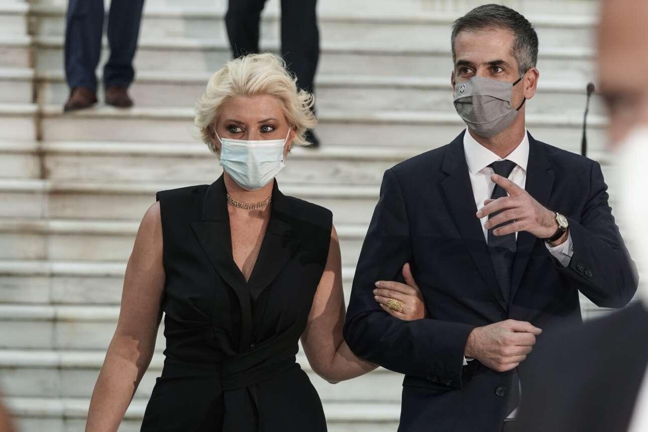 Ο δήμαρχος Αθηναίων Κώστας Μπακογιάννης με τη σύζυγό του, δημοσιογράφο, Σία Κοσιώνη
