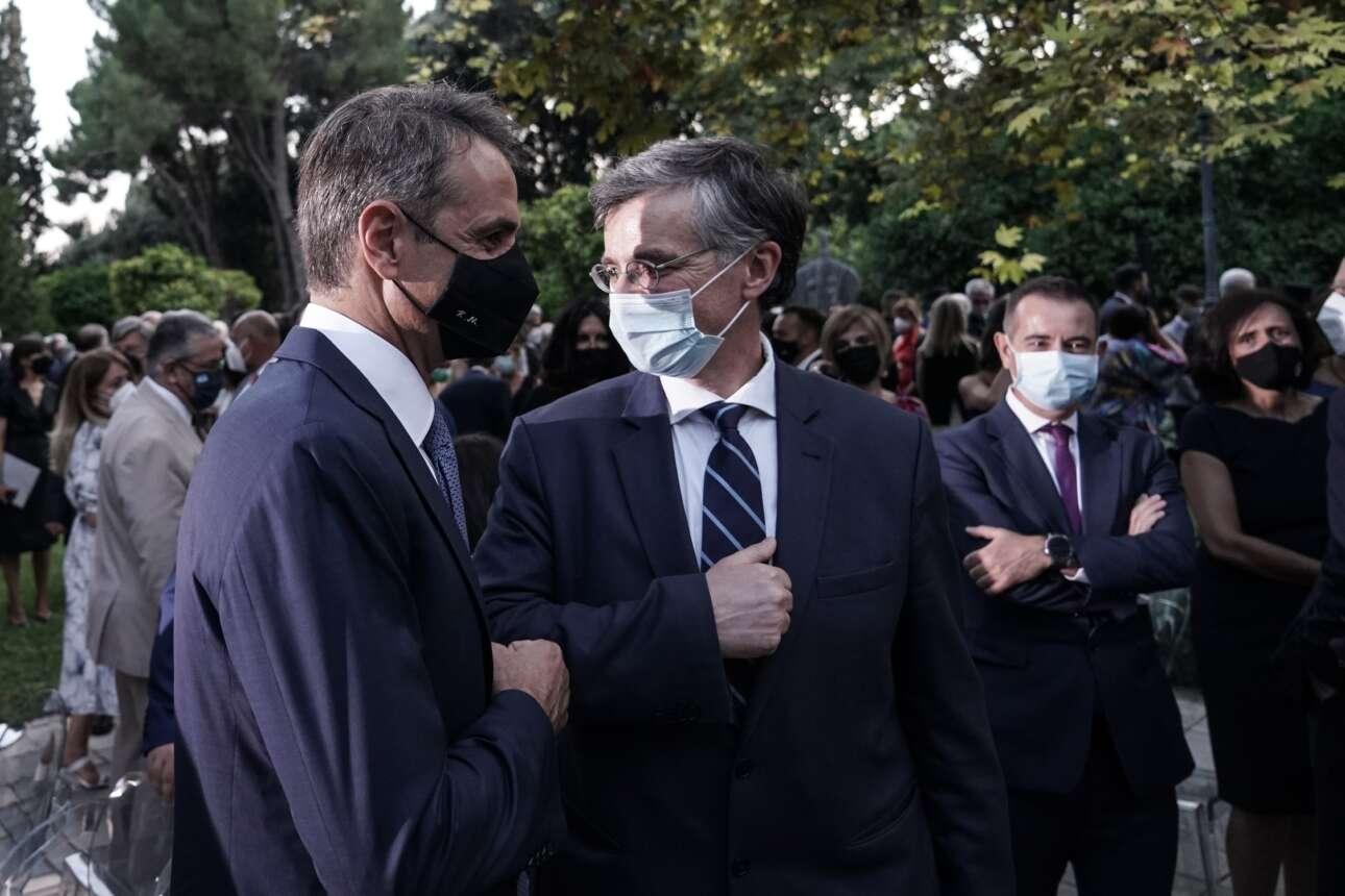 Ο εθνικός μας λοιμωξιολόγος Σωτήρης Τσιόδρας με τον Πρωθυπουργό Κυριάκο Μητσοτάκη