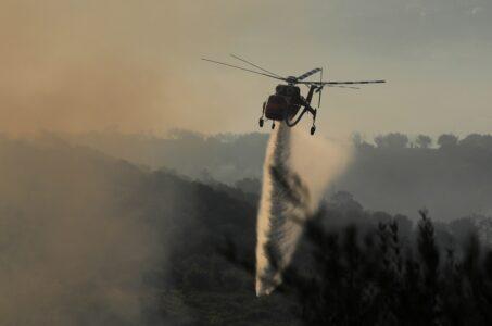 Φωτιά στην Αιτωλοακαρνανία – Εκκενώνονται οικισμοί