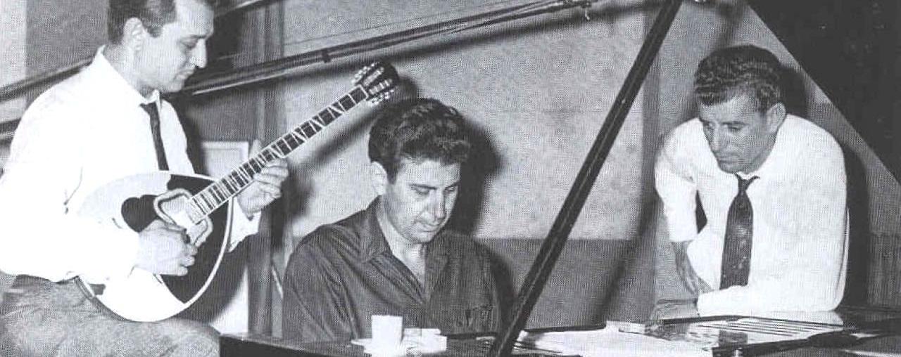 Μανώλης Χιώτης, Μίκης Θεοδωράκης, Γρηγόρης Μπιθικώτσης στη -δεύτερη- ηχογράφηση του «Επιταφίου» του Ρίτσου
