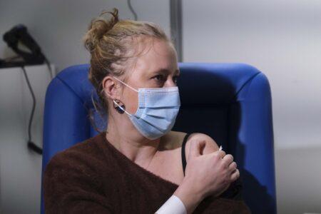 Μπορούν να χορηγηθούν συγχρόνως τα εμβόλια της γρίπης και του κορονοϊού;